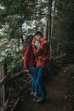 Couple photoshoot in Kitsap County, engagement session.